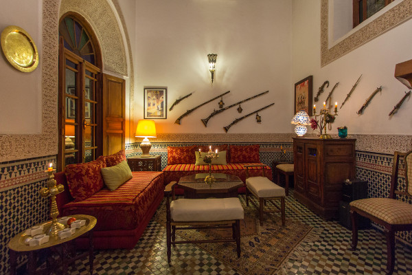 Living salle manger table salle a manger fly best table for Salle a manger versace