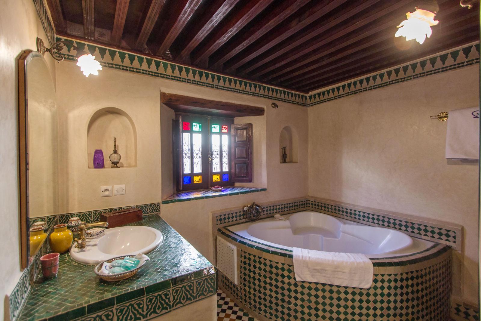 chambre carmen salle de bain